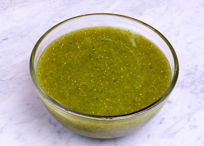Salsa Verde de Tomatillo, Friday Night Snacks and More...